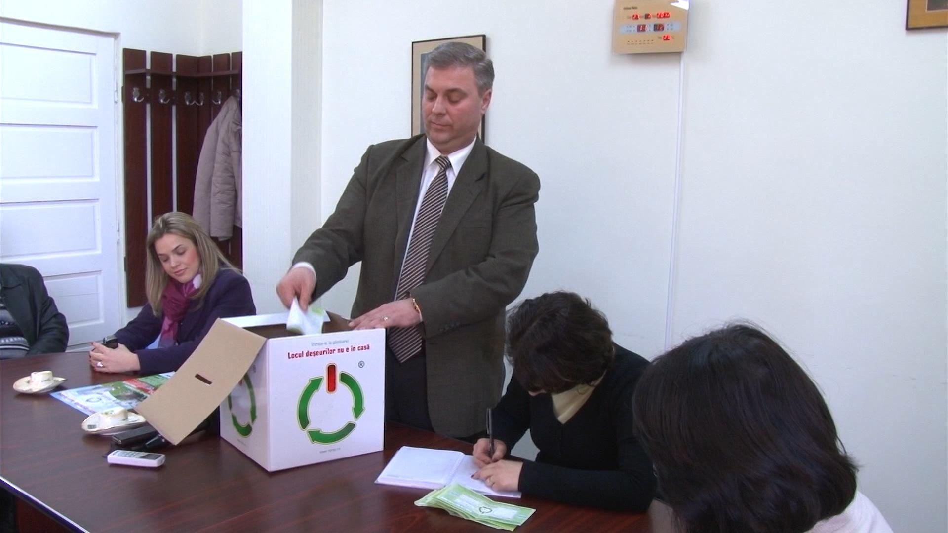 Șeful hingherilor târgoviște nu sunt… spiriduși – VIDEO