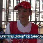 """MUNCITORI """"TOPIȚI"""" DE CANICULĂ – VIDEO"""