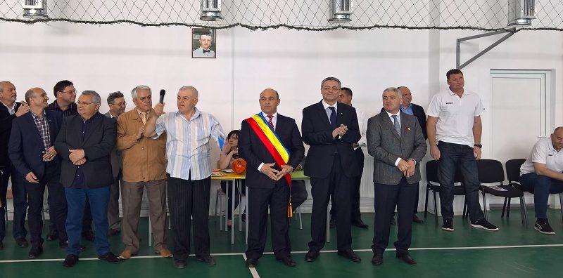 Inaugurare electorală la Moreni: sala de sport a fost deschisă la patru luni de la recepție