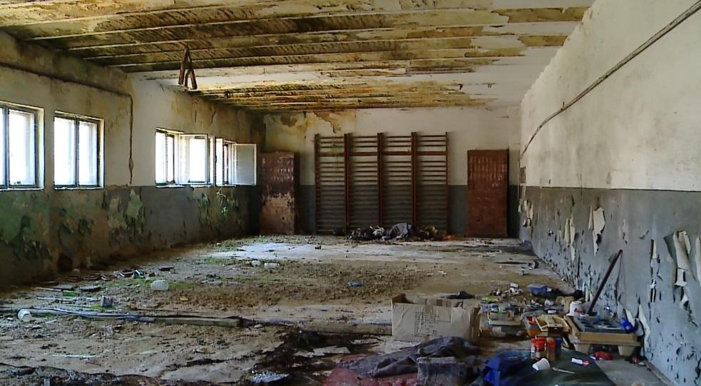 sala de sport a ajuns focar de infec ie. Black Bedroom Furniture Sets. Home Design Ideas