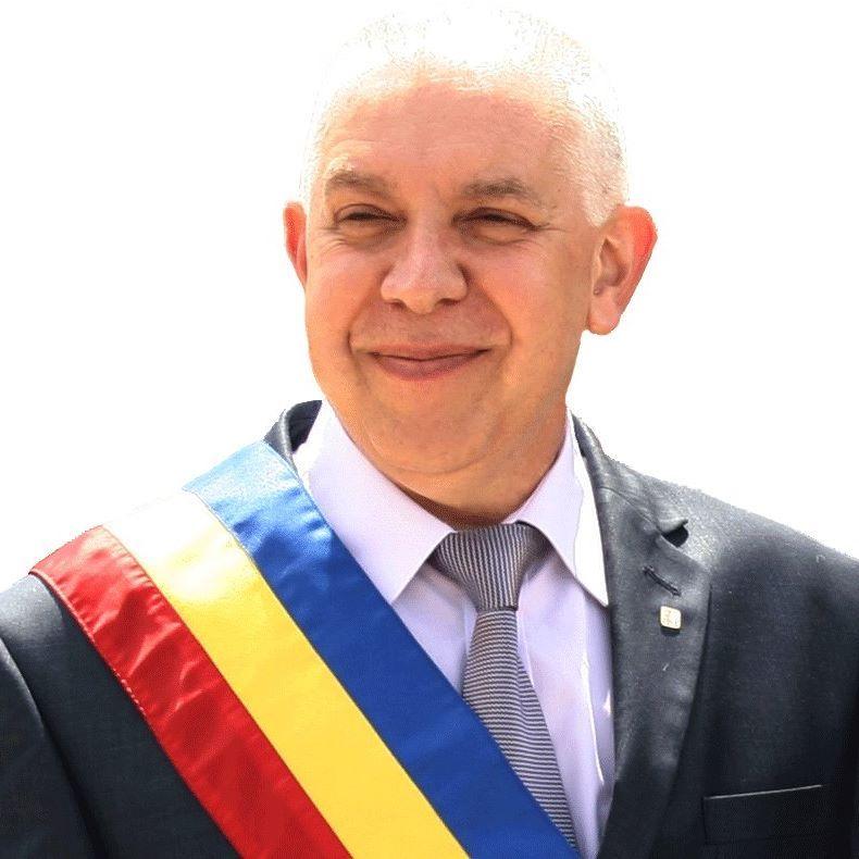 PRIMARUL DIN CÂMPINA, TRIMIS ÎN JUDECATĂ