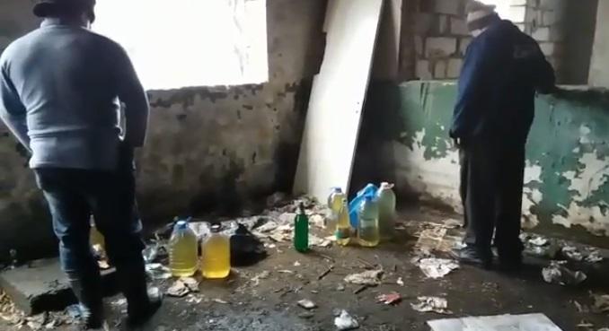 PRINȘI ÎN FLAGRANT ÎN TIMP CE FURAU MOTORINĂ