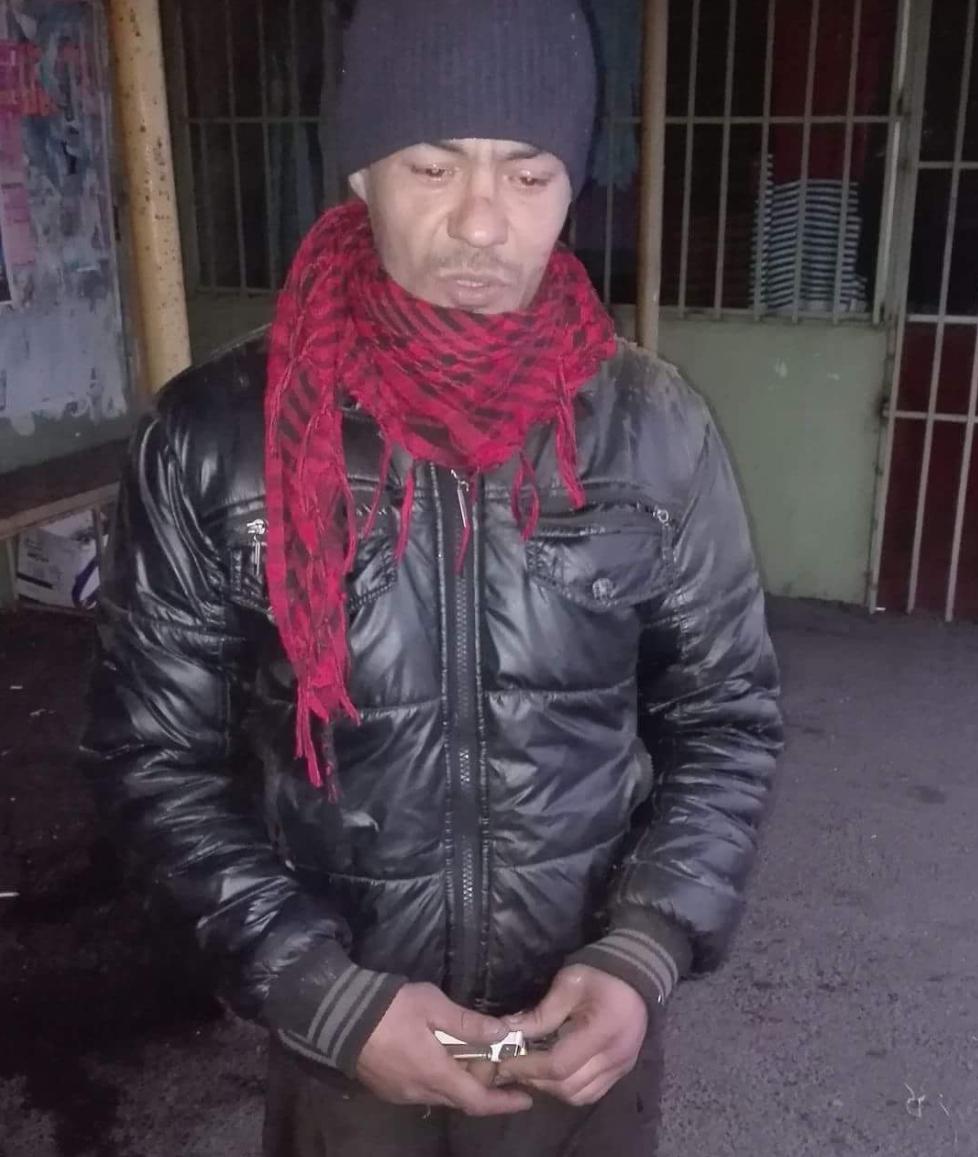 BĂRBATUL ACUZAT CĂ SE MASTURBEAZĂ ÎN FAȚA FEMEILOR DIN TÂRGOVIȘTE A FOST SĂLTAT DE POLIȚIȘTI