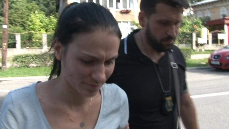 ASISTENTA CARE A BRUSCAT UN BEBELUȘ RISCĂ SĂ AJUNGĂ DUPĂ GRATII – VIDEO!