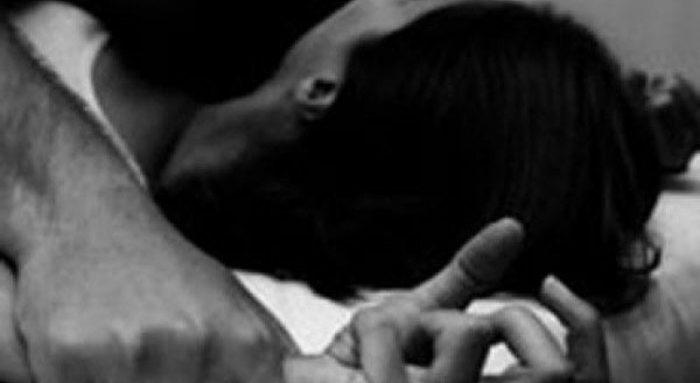 CLIPE DE COȘMAR PENTRU O FEMEIE DIN NUCET. A FOST VIOLATĂ ÎN PROPRIA CASĂ.