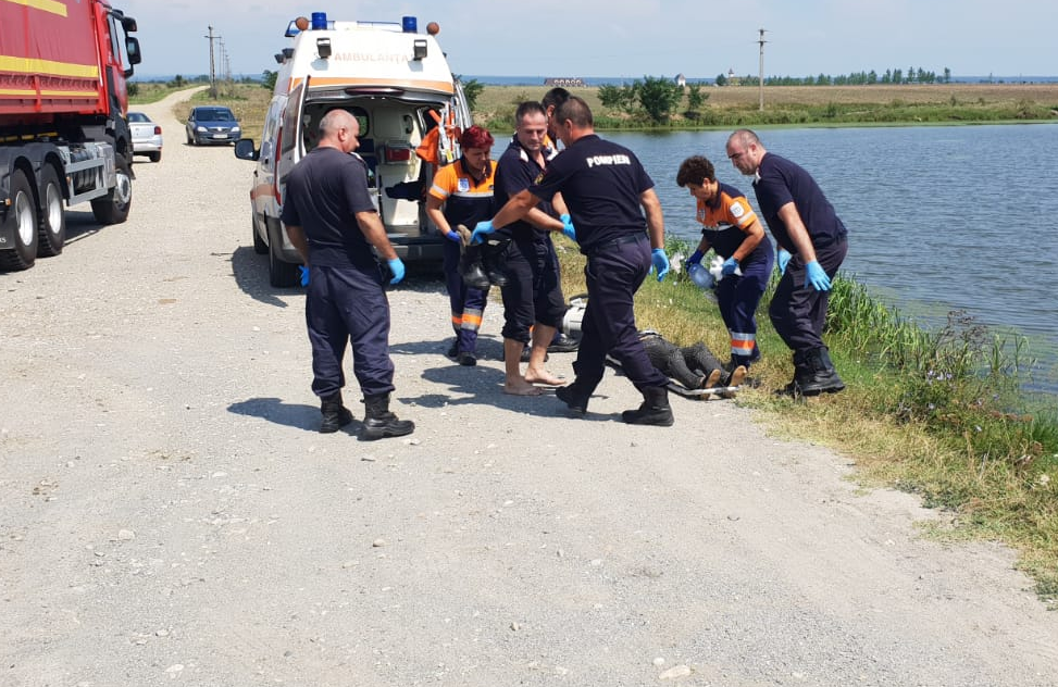 CRIMĂ SAU SINUCIDERE? O FEMEIE DIN DÂMBOVIȚA, GĂSITĂ ÎNECATĂ ÎNTR-UN LAC
