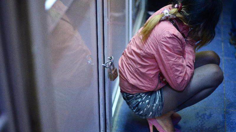 COȘMAR PENTRU DOUĂ FETE DE 16 ȘI 17 ANI. POVESTEA TINERELOR RACOLATE ȘI EXPLOATATE SEXUAL