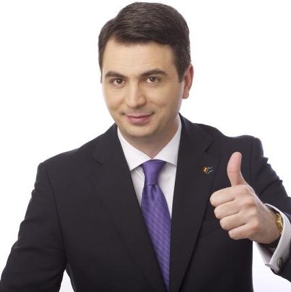 """RADU POPA TAXEAZĂ """"MALTRATAREA"""" LIMBII ROMÂNE DE CĂTRE """"CERCULEȚ"""""""