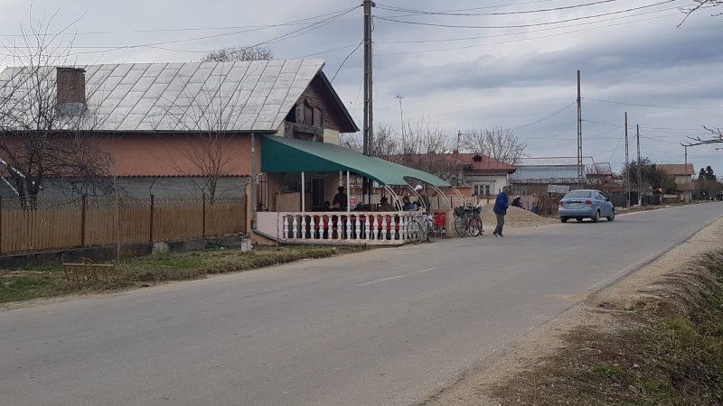 RĂCARI: UN BĂRBAT A MURIT SNOPIT ÎN BĂTAIE. SUSPECȚII AU FOST SĂLTAȚI DE POLIȚIE