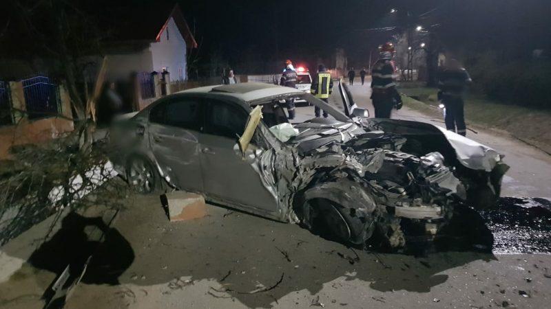 ACCIDENT GROAZNIC LA LUDEȘTI! ȘOFERUL A FUGIT DE LA LOCUL ACCIDENTULUI