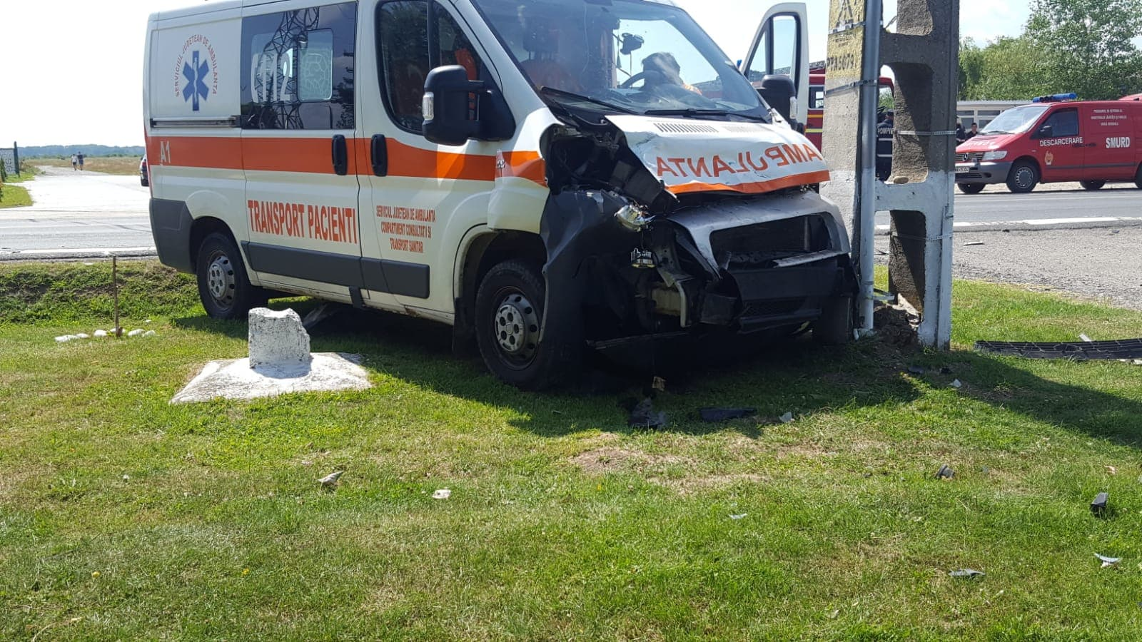 ACCIDENT CU AMBULANȚĂ PE DN71