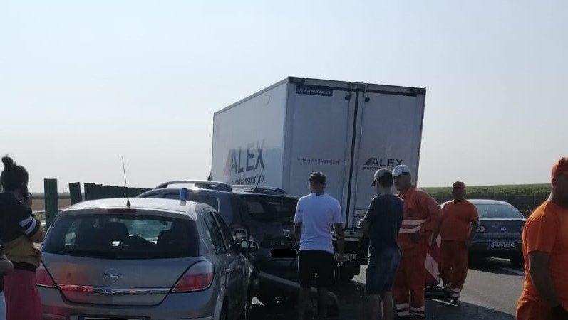 ACCIDENT PE A2. DOUĂ AUTOTURISME ȘI O AUTOUTILITARĂ SUNT IMPLICATE
