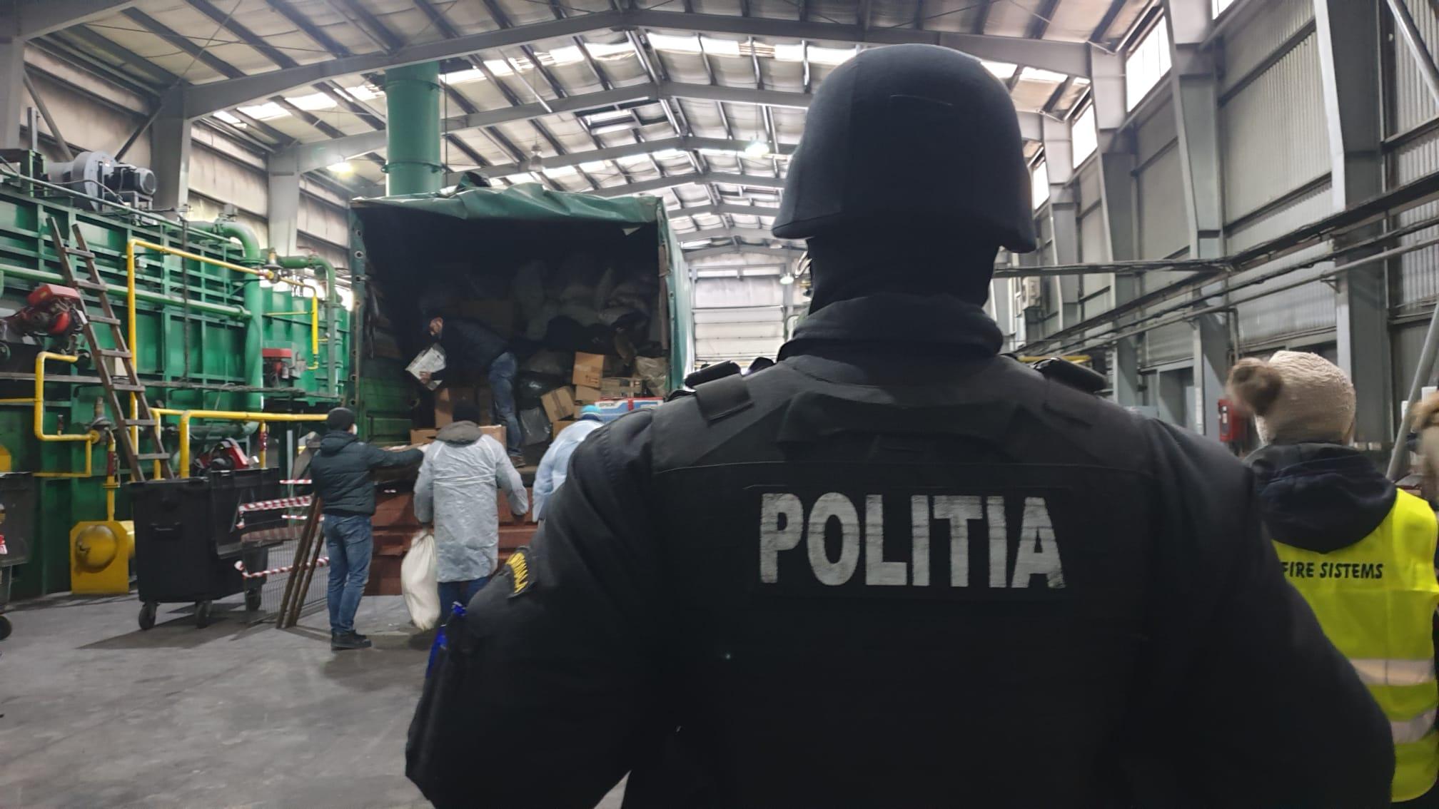 VIDEO! 1800 DE KILOGRAME DE DROGURI, DISTRUSE DE POLIȚIȘTI