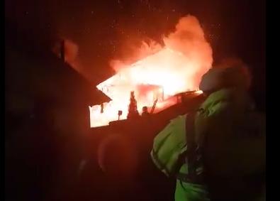 INCENDIU VIOLENT LA CIOCĂNARI , ÎN DÂMBOVIȚA  – VIDEO!
