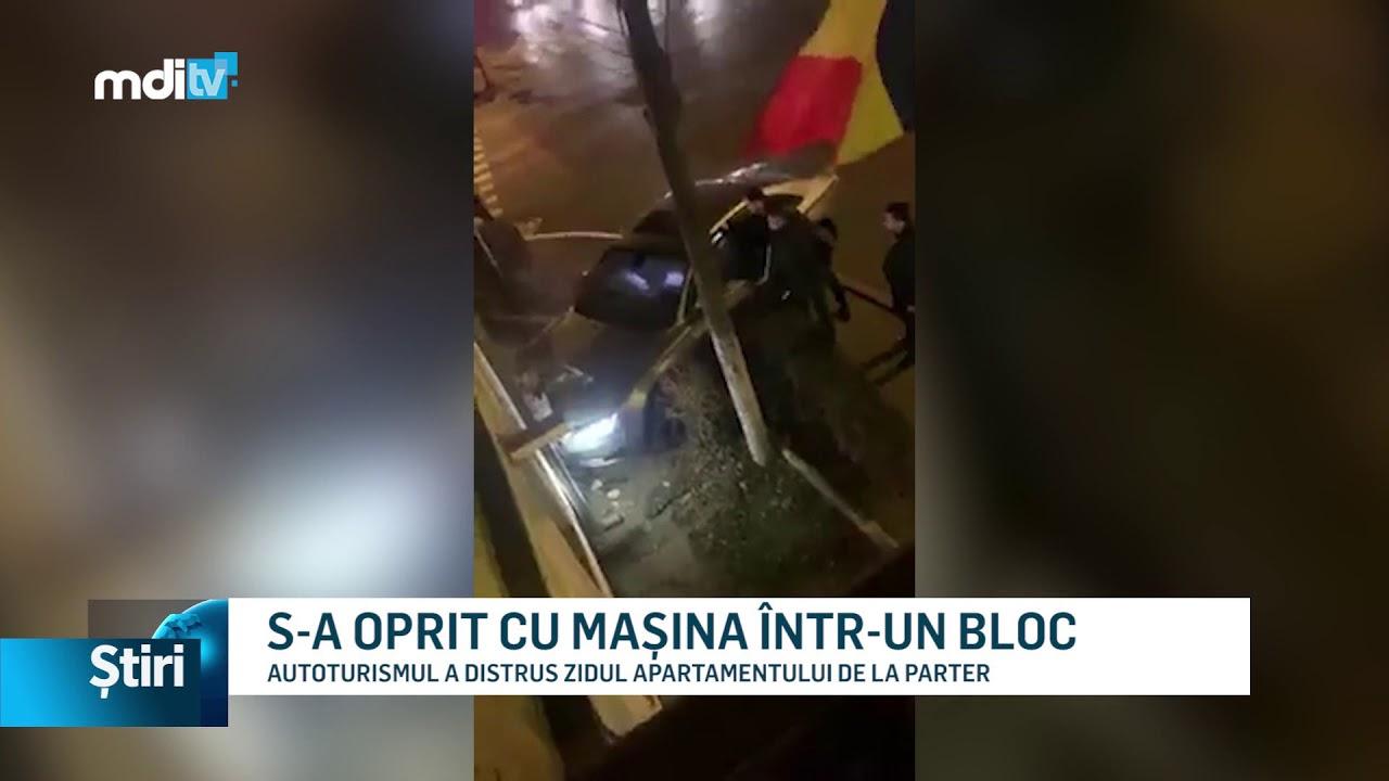 S-A OPRIT CU MAȘINA ÎNTR-UN BLOC