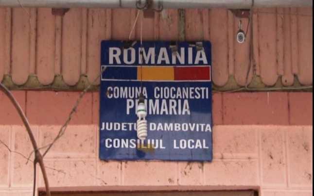 ALT FLAGRANT ÎN DÂMBOVIȚA! UN INDIVID L-AR FI ȘANTAJAT PE PRIMARUL DIN CIOCĂNEȘTI