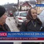 AU DISTRUS CRUCILE DIN CIMITIR – VIDEO