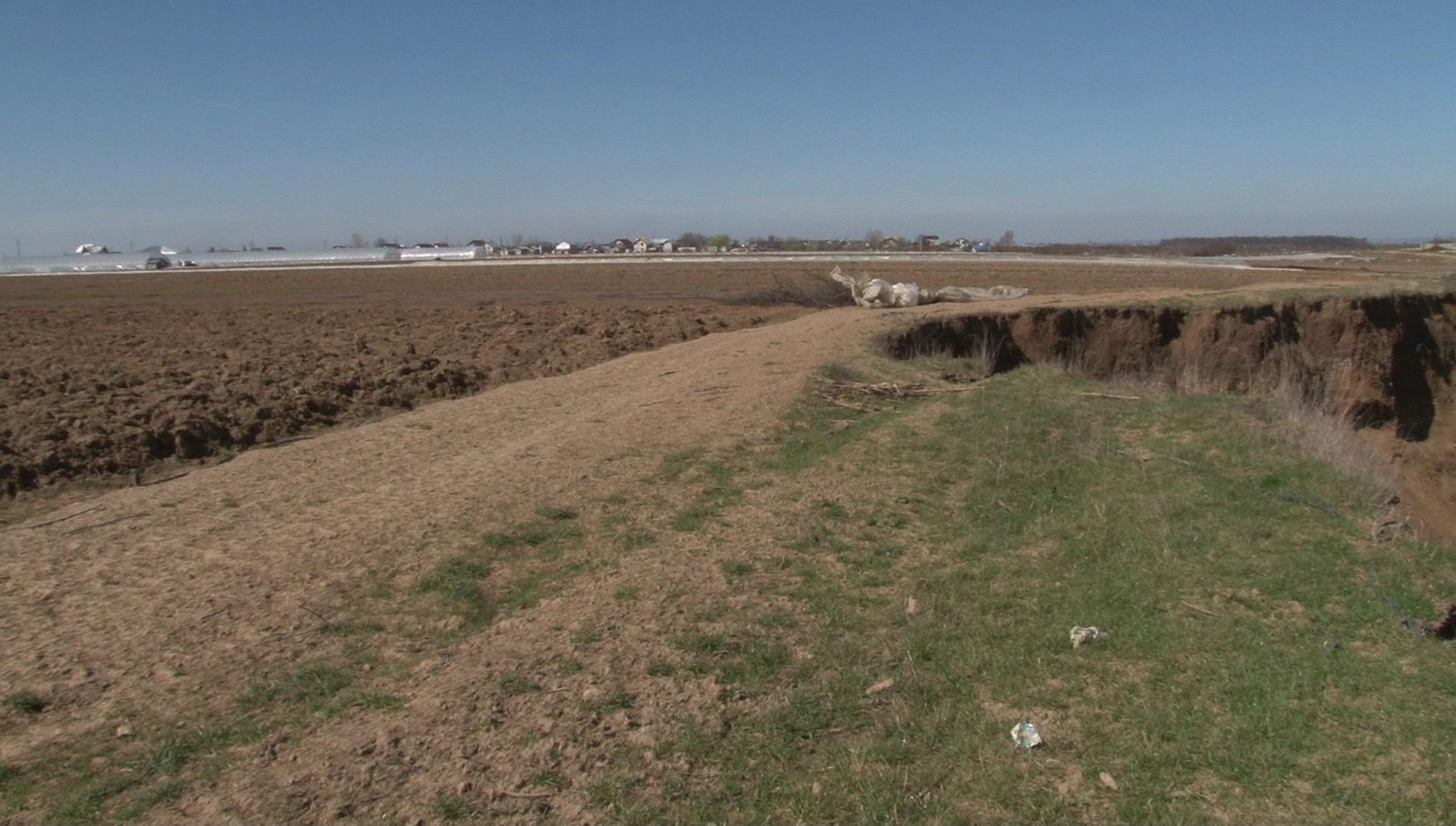 DRUMURILE DE EXPLOATAŢIE AGRICOLĂ VOR FI REABILITATE, BĂLENI, DÂMBOVIŢA