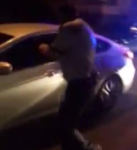 POTOLIT DOAR DE ARMA POLIŢISTULUI. ŞOFERUL TERIBILIST ÎNCERCA SĂ SCAPE DE AMENDĂ UN MOTOCICLIST CARE ÎNCĂLCASE LEGEA