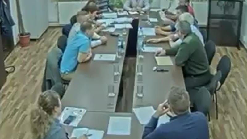 CONSILIER LOCAL, SUPĂRAT PE POLIȚIE – A PROPUS SĂ INTERZICĂ ACCESUL POLIȚIEI ÎN COMUNĂ! VIDEO!