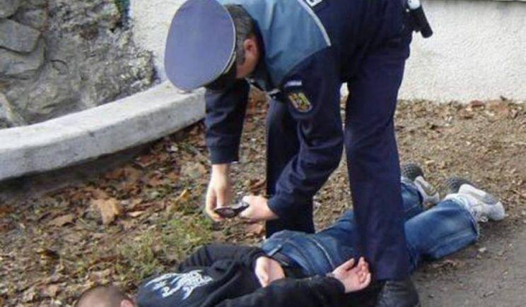 ȘOFER ÎNCĂTUȘAT ÎN TRAFIC DUPĂ O CURSĂ NEBUNĂ PE DN71