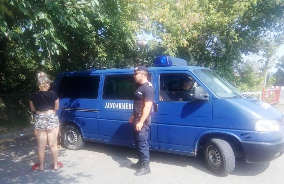PROSTITUATE MINORE, SĂLTATE DE JANDARMI DE PE STRADĂ