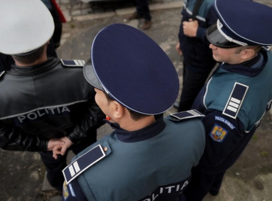 POLIȚISTI PRINȘI CĂ LUAU MITĂ! UNUL ESTE DE FEL DIN DÂMBOVIȚA!