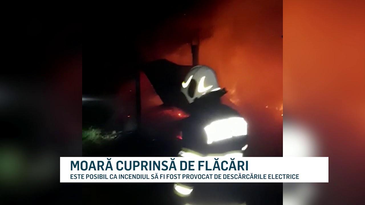 MOARĂ CUPRINSĂ DE FLĂCĂRI