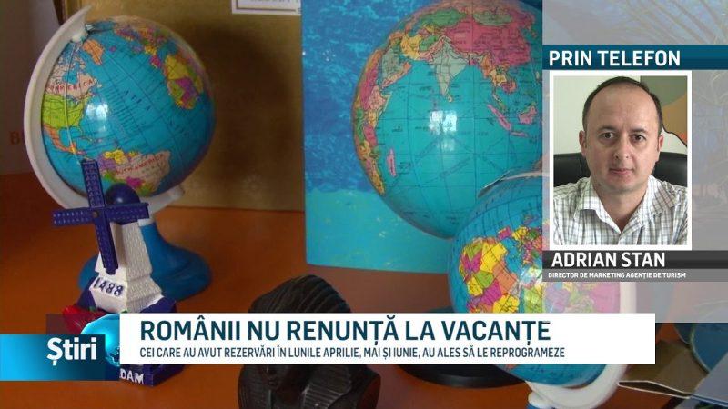 ROMÂNII NU RENUNȚĂ LA VACANȚE